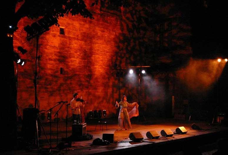 Au diable Merlin Festival d'Uzès